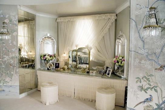 Miss Pettigrew Lives For A Day Set Decor Mirror Mirror