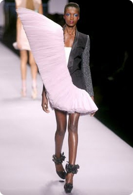 Viktor Rolf Spring 2010 Collection 4