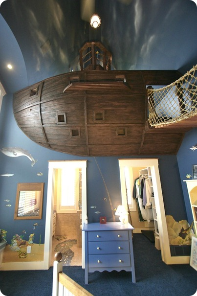 PirateShipBedroom3