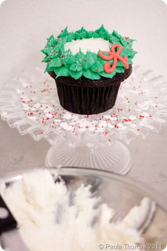 Christmaswreathcupcake (1 of 1)