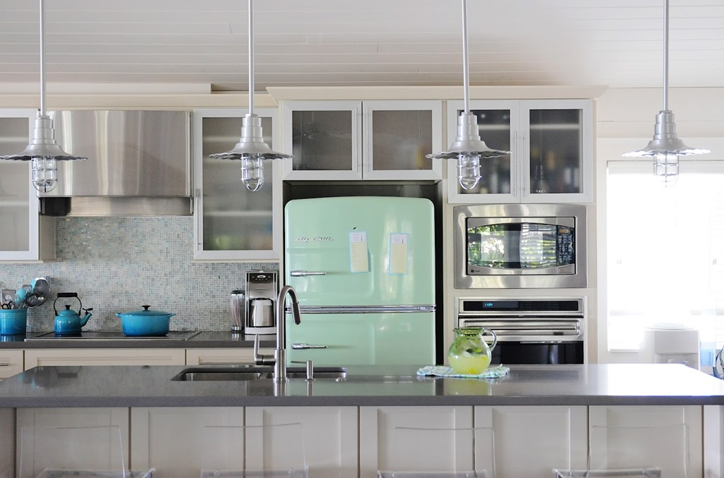 The Big Kitchen Remodel: Buying a Retro Fridge Retro Turquoise Kitchen Ideas Html on turquoise kitchen color ideas, turquoise retro furniture, red retro kitchen ideas, turquoise home decor ideas,